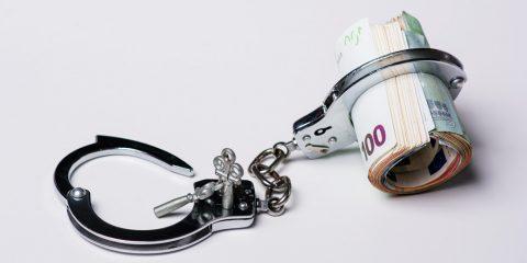 Não seja escravo do dinheiro